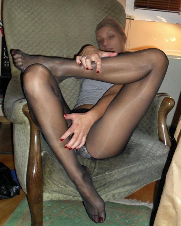 The pantyhose fetish woman has